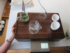 Jadequell und chinesische Teezeremonie