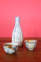 Shoki/Ko-Imari Sake Cups & Tokurri (Imari-Porzellan)
