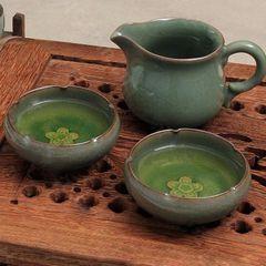 Teekrug mit Teeschalen