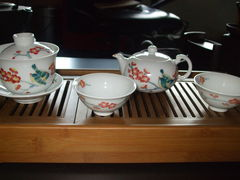 Meine 4. Teekanne mit Schalen und passenden Gaiwan