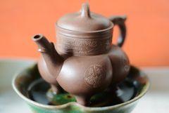 Yixing-Kanne mit Beinchen