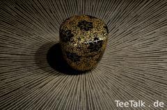 Natsume mit Kirschblüten-Motiv (mittels Chinkin)