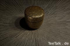 Natsume mit Chrysanthemum-Motiv (mittels Chinkin)