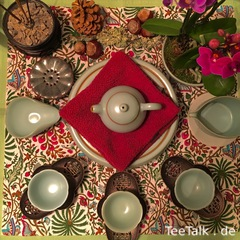 Buntes Tee Arrangement
