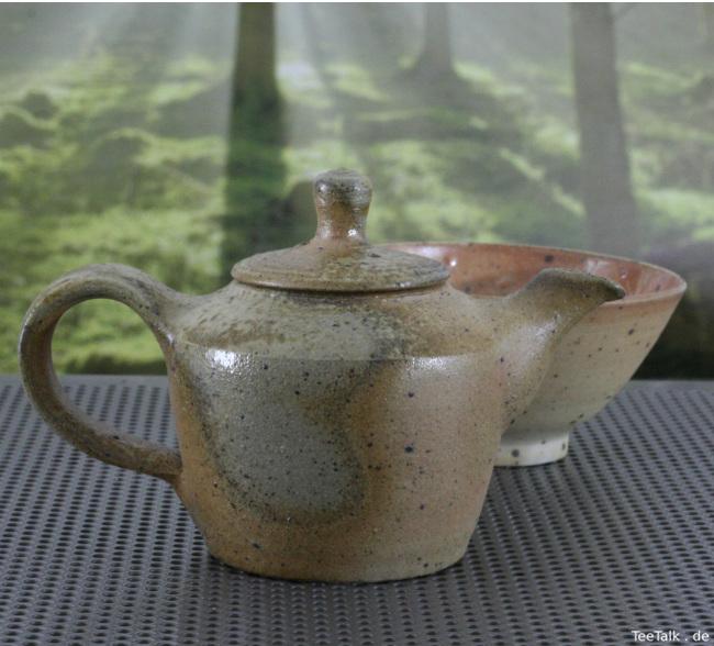 Teekanne aus dem Anagama und Teeschale
