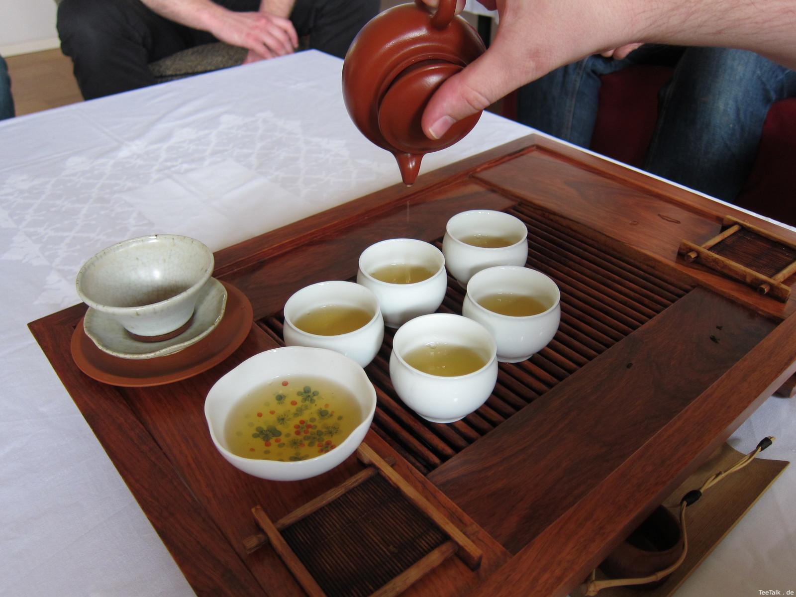 Teetisch bei der Teezui 4