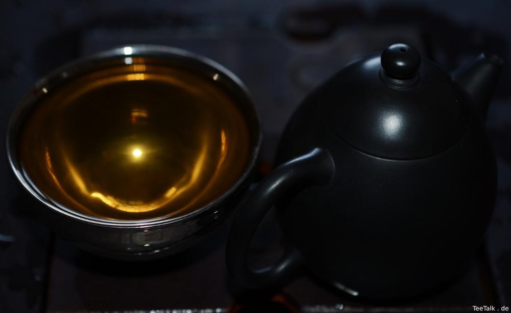 Die dunkle Teestunde