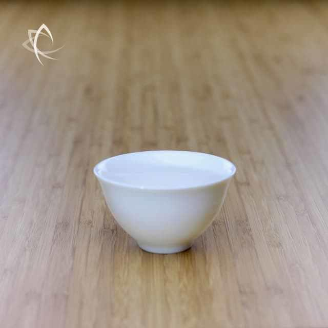 Elegant-Tea-Cup-Featured-View.jpg.2d3b30b2f91f96c143ba5f0eef202287.jpg
