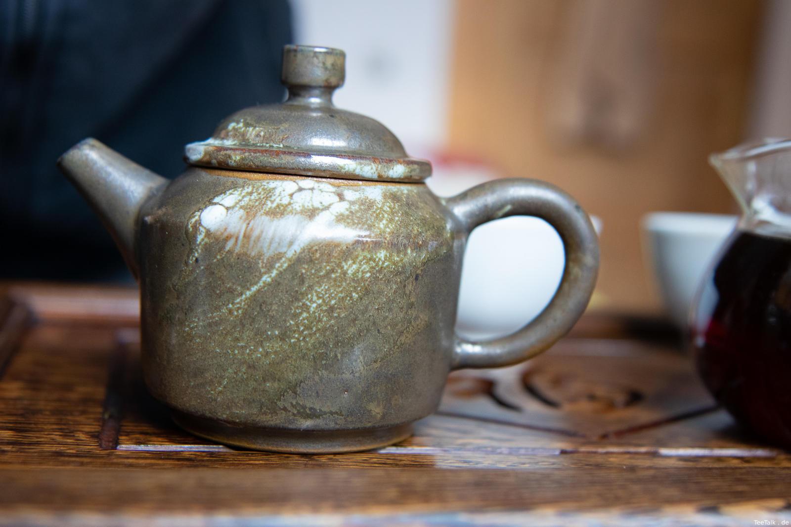 Teekanne von Robin Boogaerts (Arbee Ceramics)